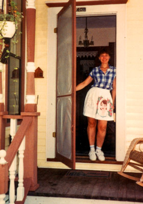 Debbie_at_Front_Door_01