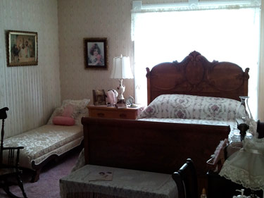 Ethel_Breed_room_01